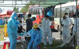 Hơn 800 công nhân từ tâm dịch Bắc Giang về Nghệ An được cách ly tại nhà