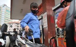 Giá xăng tăng mạnh, tiến sát mốc 21.000 đồng/lít