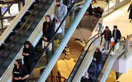 Úc ghi được bằng chứng 'lướt qua nhau trong trung tâm thương mại cũng có thể lây virus': Khẩu trang vẫn là vũ khí tối ưu