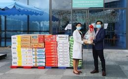 """Chiến dịch """"Bạn khỏe mạnh, Việt Nam khỏe mạnh"""": Vinamilk gửi tặng 25.500 sản phẩm dinh dưỡng đến """"chiến sĩ áo trắng"""" và gia đình tại 4 bệnh viện tuyến đầu"""
