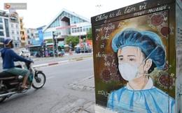 Ảnh: Bốt điện ở Hà Nội khoác lên mình hình ảnh chiến sĩ tuyến đầu chống dịch đầy ý nghĩa