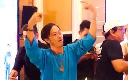 """Xôn xao clip nghệ sĩ Hoài Linh nhảy """"vinahey"""" cực sung cùng NS Minh Nhí sau khi cách ly xạ trị không lâu?"""