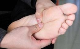 4 biểu hiện trên bàn chân cho thấy tế bào ung thư đã nhắm tới bạn, nếu có thì đi khám nhanh còn kịp