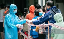 KHẨN: Hà Nội tìm người đến 2 khu chợ liên quan người bán rau dương tính SARS-CoV-2 chưa rõ nguồn lây