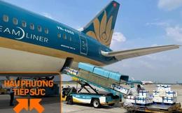 """Lần đầu tiên hơn 40 tấn vải thiều Bắc Giang được """"chễm chệ"""" bao trọn siêu máy bay của Vietnam Airlines, thẳng tiến vào Tp. HCM"""