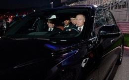 """Ông Putin gây sốt với màn lái siêu xe: Bất ngờ danh tính """"bóng hồng"""" xinh đẹp ngồi cạnh"""