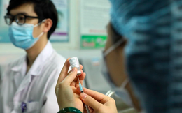 Người dân Hà Nội sẽ được tiêm 2 mũi vaccine COVID-19 cùng loại