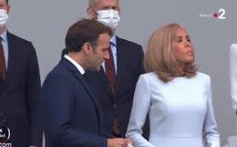 Khoảnh khắc Đệ nhất phu nhân Pháp lạnh lùng với chồng trẻ, không chịu đeo khẩu trang khiến dân mạng phẫn nộ