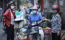 Hà Nội ngày đầu thực hiện Công điện 15: Tiểu thương ngậm ngùi quay xe ngay trước cổng chợ, có người rưng rưng nước mắt, hàng đã nhập về biết bán đi đâu?