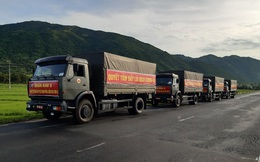 Quân đội hỗ trợ thu hoạch, vận chuyển nông sản cho phía Nam
