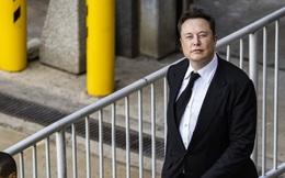 Apple ngồi im cũng dính đạn, bị Elon Musk cà khịa tới 2 lần trong buổi công bố kết quả kinh doanh của Tesla