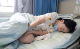 Cô gái 27 tuổi ngủ sớm dậy sớm, làm việc đều đặn nhưng vẫn mắc ung thư dạ dày, bác sĩ chỉ ra thói quen ăn uống xấu của nhiều người trẻ