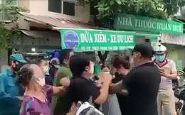 """Cặp vợ chồng """"hổ báo"""" gây rối chốt kiểm dịch chợ Yên Phụ, còn tự livestream cho thiên hạ cười chê"""