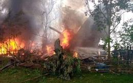 Vụ rơi máy bay kinh hoàng tại Philippines: Một số binh sĩ kịp nhảy ra khỏi máy bay trước khi phương tiện lao thẳng xuống đất nổ tung