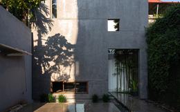 """Vợ chồng 8X xây nhà 3,5 tỷ tại Long Biên: Bên ngoài là khối hộp cao 9m nhưng trong nhà lại ngập nắng """"chill"""" bất ngờ"""