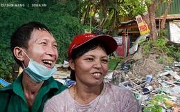 Cặp vợ chồng công nhân quét rác 10 năm lợp lán thay nhà, bị nợ lương vẫn bám nghề, lý do sẽ khiến nhiều người xấu hổ
