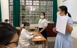 Nóng: Thí sinh ở Q.3 TP.HCM ngất xỉu khi làm bài thi môn Văn, xét nghiệm dương tính SARS-CoV-2