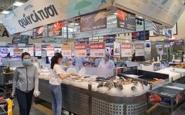 """ẢNH: Người Sài Gòn đổ xô mua thực phẩm, hàng tươi sống """"khan hiếm cục bộ"""" nhưng siêu thị khẳng định không thiếu hàng"""