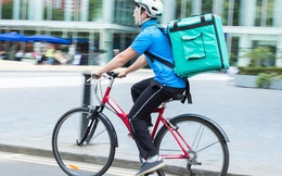 Shipper tại Mỹ bị từ chối không cho đi nhờ nhà vệ sinh, đạp xe 20 km để giao hàng