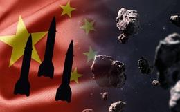 """Trung Quốc tính dùng 25 tên lửa Trường Chinh 5 đồng loạt bắn phá thiên thạch """"Ngày tận thế"""" để cứu Trái Đất"""