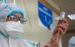 BS Bệnh viện Đại học Y Dược TP.HCM: Những loại thuốc được dùng và tuyệt đối không được dùng sau khi tiêm vắc xin Covid-19