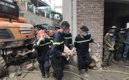 NÓNG: Sạt lở bờ kè vùi lấp 4 người ở thành phố Hạ Long