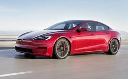Tesla lại bị khách hàng 'ném đá' vì lùi lịch giao xe để vòi tiền khách