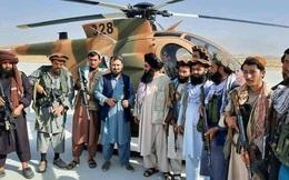 """Taliban """"hốt trọn"""" kho vũ khí khổng lồ của Mỹ: Lầu Năm Góc đã để mất những thứ chết người!"""