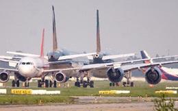 Máy bay 'ngủ la liệt' trên sân bay Nội Bài do ảnh hưởng của đại dịch COVID-19