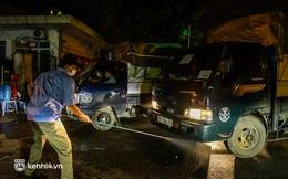 Hà Nội: Tiểu thương tất bật dọn hàng trong đêm khi chợ đầu mối phía Nam được mở trở lại