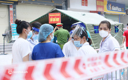 Hà Nội: Khoảng 100 y, bác sĩ được huy động xét nghiệm cho cư dân HH4C Linh Đàm