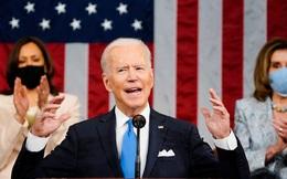 Chính quyền Biden tuyên bố xóa nợ hoàn toàn cho 300.000 sinh viên