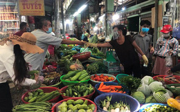 Thực phẩm tại TPHCM lại... nhảy giá