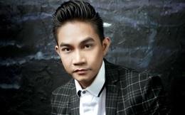 """Mười mấy tuổi đã có xe hơi, """"học đòi"""" anh trai chơi cổ phiếu năm 2008, ca sĩ Phạm Khánh Hưng trắng tay """"phút chốc"""""""