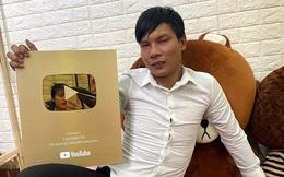 """Lộc Fuho - """"thầy"""" dạy phụ hồ online ở Bình Định có giàu như lời đồn?"""