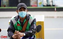 Gojek tuyên bố là DN gọi xe đầu tiên tại Việt Nam hỗ trợ tiền mặt cho tài xế, tài xế Hà Nội nhận tối đa 400.000 đồng, tại TPHCM nhận tối đa 350.000 đồng