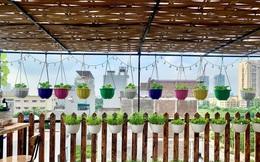 """Khu vườn sân thượng """"nhỏ nhưng rau gì cũng có"""" của mẹ đảm ở Hà Nội"""