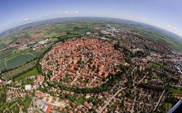 Chiêm ngưỡng thị trấn được xây bằng 72.000 tấn kim cương ở Đức