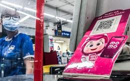 Chỉ mạnh tay 'đốt tiền' giảm giá cho khách hàng mua cà phê hay vào cửa hàng tiện lợi, MoMo tự tin 'nhà nghèo' vẫn sẽ thắng được Grab, ZaloPay trong trận chiến ví điện tử ở Việt Nam