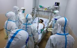 """""""Bác sĩ Khoa rút máy thở của mẹ, nhường sự sống cho sản phụ sinh đôi"""" - câu chuyện viral nhất đêm qua là chuyện bịa, có 5 điểm bất thường?"""