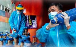 """Chuyện 3 chàng trai F0 sau khi khỏi bệnh trở thành """"shipper"""", vận chuyển bình oxy cho các bệnh nhân Covid-19 ở Sài Gòn"""
