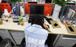 Gối đầu lên tay khi ngủ - thói quen khiến cô nhân viên văn phòng 28 tuổi bị liệt tay và phải phẫu thuật gấp để cứu vãn tình thế