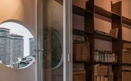 Xiêu lòng với ngôi nhà 30m2 sâu trong hẻm nhỏ Sài Gòn, mặt tiền toàn gạch gốm hút gió và ánh sáng trên cả tuyệt vời