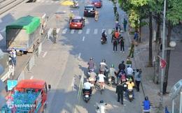 Ảnh: Ngày đầu kích hoạt 39 chốt trực tại Hà Nội, bắt đầu kiểm soát người ra đường theo vùng