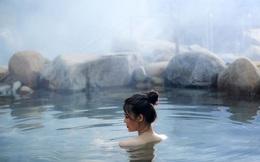 """Với người Nhật, tắm khoáng nóng là """"thần dược"""" chữa bệnh, kéo dài thanh xuân, nâng cao tuổi thọ: Còn gì tuyệt hơn nếu nâng cấp trải nghiệm này tại chính nơi bạn ở?"""