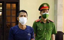 """Hà Nội: Gã đàn ông bóp cổ công an, cầm gạch đe dọa đòi """"thông chốt"""" kiểm soát dịch lĩnh án 33 tháng tù giam"""