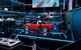"""Khủng hoảng chuỗi cung ứng """"phủ bóng đen"""" lên triển lãm ô tô Munich"""