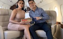 Bên trong máy bay giá 28 triệu đô của Ronaldo: 10 năm tuổi nhưng vẫn thuộc top xa xỉ, rộng 80 m2, tiện nghi không kém căn chung cư