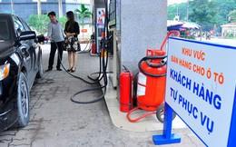 Hà Nội: Đi ôtô khách tự động đổ xăng 'từ A đến Z'