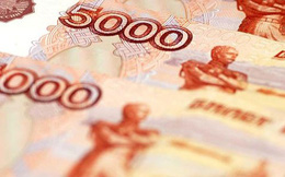 Nga cuống cuồng tăng lãi suất để cứu đồng Rúp